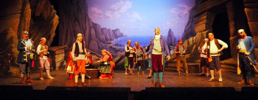 <blockquote><h3>Pour oh pour the pirate sherry!</h3>Pirates of Penzance 2015</blockquote>